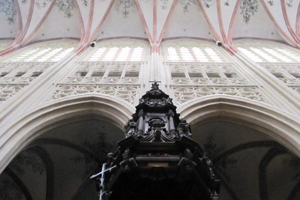 Het interieur van de Sint Jan