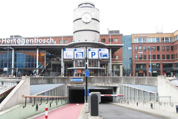 Parkeergarage Stationsplein